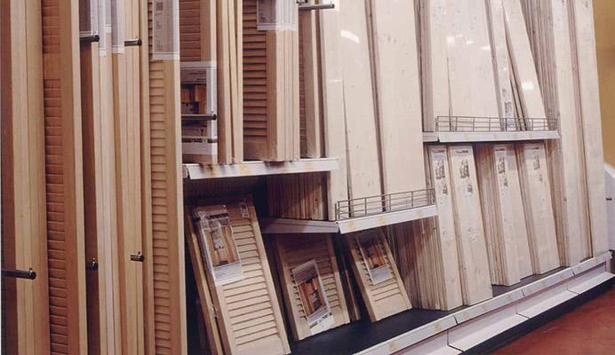 Arredo negozio e punto vendita de sco for Obi scaffalature metalliche